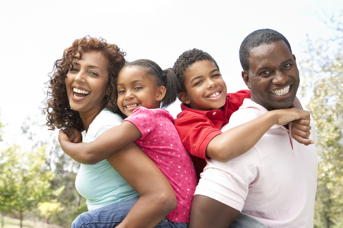 Portrait-of-Happy-Black-Family